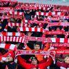 Игроки «Спартака» подарили именные футболки фанатам, которые добрались до Тулы триатлоном